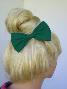 Hunter Green hair bow clip for woman teens and girls. Perfect for back to school fashion accessories to dress up your everyday cute and girly outfits ♥