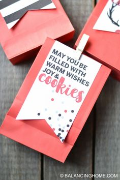 """Free holiday cookie bag printable: """"may you be filled with warm wishes, joy & cookies"""""""