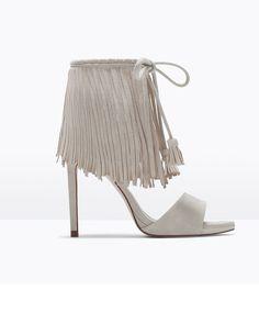 Que no se te escapen tus pies con las 'lace up heels' o sandalias de cordones