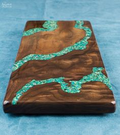DIY Turquoise Inlay Cheese Board   Handmade cutting board   How to make a cutting board   How to make a cheese board   Step-by-step tutorial for handmade cheese board using walnut and turquoise stone   Cheese board with turquoise inlay   DIY stone inlay   How to inlay turquoise stone   DIY walnut cutting board   DIY walnut cheese board   DIY crushed turquoise inlay   How to crush turquoise for inlay   DIY home decor   Woodworking & diy   How to apply food safe varnish   TheNavagePatch.com