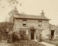 1909 photo Cottage Umbria England home of Beatrix Potter and her husband William Heelis ❤️❤️ Beatrix Potter, Peter Rabbit And Friends, Potters House, Lake District, In This World, Castle, Cottages, National Trust, Farm House