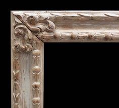 marco barroco con decoración en decapé