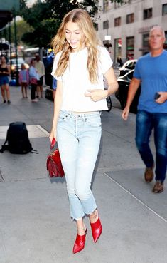 The Simple Skinny Jeans Every Celeb Owns via @WhoWhatWear