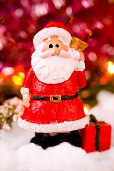 Santa Claus miniature macro photograph from the Cosmonaut studio. Creative Photography, Original Image, Santa, Miniatures, Christmas Ornaments, Studio, Holiday Decor, Home Decor, Decoration Home