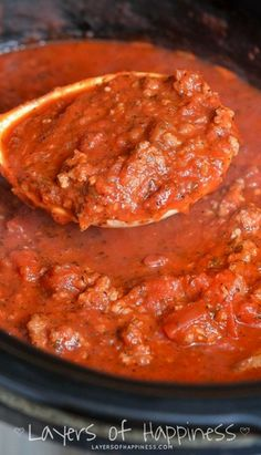 Mom's Crockpot Spaghetti Sauce ~ This spaghetti sauce is rich, hearty, and absolutely delicious. made in a crockpot with a secret ingredient! Spaghetti Sauce Recipe Crockpot, Slow Cooker Spaghetti Sauce, Best Spaghetti Sauce, Homemade Spaghetti Sauce, Spaghetti Squash, Spaghetti Dinner, Homemade Marinara, Crock Pot Slow Cooker, Spaghetti