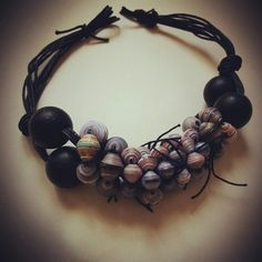 Paper beads for this original necklace!