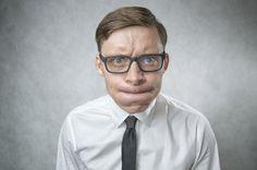 Dummes Verhalten: Wenn Sie auf Ihre Kollegen clever wirken wollen, sollten Sie folgende Verhaltensweisen lieber nicht an den Tag legen...  http://karrierebibel.de/dummes-verhalten/