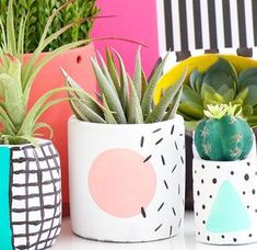 Long live the in these hand painted modern geometric planters based off of Memphis design style. Each planter will have a white base and a colorful circle with black confetti lines. (Gifts for Vegans, Eco Friendly Gifts, Indie Home De Cute Home Decor, Retro Home Decor, Handmade Home Decor, Memphis Design, Painted Plant Pots, Spring Plants, Boho Home, Diy Garden, Garden Planters