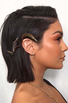 Love Vanessa Hudgens Boho inspired Hair and Makeup! Vanessa Hudgens Short Hair, Vanessa Hudgens Makeup, Prom Hairstyles For Short Hair, Bob Wedding Hairstyles, Bobby Pin Hairstyles, Sleek Hairstyles, Corte Y Color, Hair Day, Hair Looks