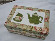 Rosa Choc Atelier d'Artes: Caixa de chá - indisponoível / Tea box - not avail...