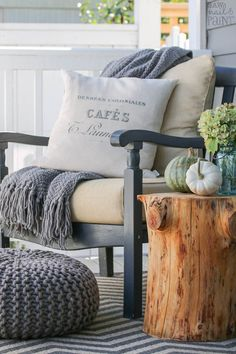 Use these beautiful fall decor ideas to decorate your porch! These cheap and easy ideas will give you some inspiration for how to decorate your porch with wreaths, pumpkins, corn stalks, hay bales, and more! Front Porch Furniture, Garden Furniture, Front Porch Chairs, Porch Roof, Outdoor Furniture, Furniture Ideas, Furniture Design, Tree Stump Side Table, Front Porch Makeover