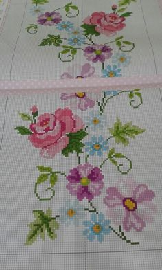 This Pin was discovered by HUZ Mini Cross Stitch, Cross Stitch Rose, Cross Stitch Borders, Cross Stitch Flowers, Cross Stitch Charts, Cross Stitch Designs, Cross Stitching, Cross Stitch Patterns, Floral Embroidery Patterns