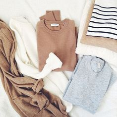 MINIMAL + CLASSIC: camels, soft greys & stripes - would like this in my closet, love all the colors Style Blog, Mode Style, Style Me, Street Style Outfits, Fall Outfits, Casual Outfits, Cute Outfits, Capsule Wardrobe, The Cardigans
