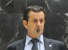 Arantes faz avaliação positiva do seu segundo mandato http://www.passosmgonline.com/index.php/2014-01-22-23-07-47/politica/3636-arantes-faz-avaliacao-positiva-do-seu-segundo-mandato