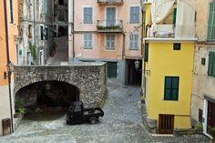 Castel Vittorio  See in Google Earth      by Finn Lyngesen flfoto…