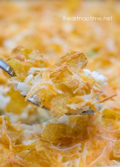The BEST cheesy potatoes out there.Super easy to make and absolutely delicious! #recipes
