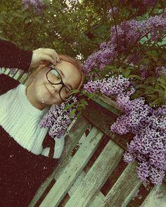 Знаю, знаю, больно-больно, Уж больно твоя мама не довольна Поведение, твоим ко мне влечением И совсем не понимает, За что ты любишь меня. . . . . . . . . . . . . . .�� #flowers #flower #igscflowers #toptags @top.tags #floral_splash #petals #garden_explorers #total_flowers #macroflowers_kingdom #mta_flowers #superb_flowers #blossom #sopretty #flowerzdelight #bestflowerspics #flowerstagram #flowersofinstagram #macro_brilliance #flowerslovers #loves_united_flora #kings_flora #floral #florals…