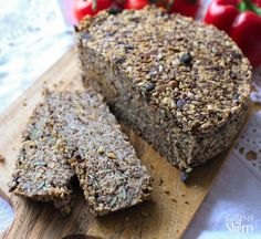 """""""Life changing"""" bread made from nuts and seeds gluten-free low carb [Inspiriert] Greeny Sherry Vegan Recipes & Live Green (er) Healthy Juice Recipes, Juicer Recipes, Healthy Recipes On A Budget, Cooking On A Budget, Low Carb Recipes, Vegan Recipes, Vegan Food, Healthy Food, Clean Eating Soup"""