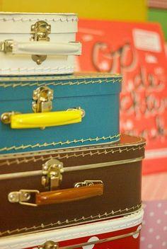 BeyazBegonvil I Kendin Yap I Alışveriş IHobi I Dekorasyon I Kozmetik I Moda blogu: Eski Bavullarla Evinizde Vintage Rüzgarı Estirin