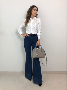 Casual outfit with a woman! Look Casual, Look Chic, Casual Chic, Work Fashion, Fashion Looks, Fashion Outfits, Fashion Ideas, Look Jean, Look Office