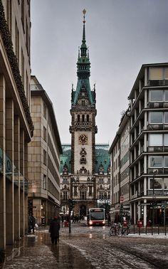 Hamburgs Rathaus! #EuropaPassage #EuropaPassageHamburg #welovehh…