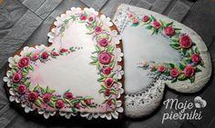 Embroidered hearts with roses by E. Kiszowara MOJE PIERNIKI