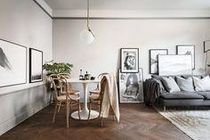 """Mitt i """"Lilla Paris"""" precis intill Rörstrandsgatan och Birkastan erbjuds här ett hem som överträffar det mesta! Varsamt och stilfullt renoverat med respekt för det gamla och med förståelse för det nya. Fantastiska material- och färgval skapar en känsla av ett karismatiskt hem olikt mycket annat. Välkomna på visning!"""