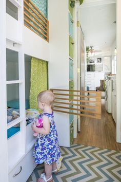 How a 196 Square Foot Tiny House was Adapted to Fit a Growing Family of Four (Plus a Great Dane!) How a 196 Square Foot Tiny House was Adapted to Fit a Growing Family of Four (Plus a Great Dane! Tiny House Family, Best Tiny House, Tiny House Living, Tiny House Plans, Tiny House On Wheels, House 2, Family Bed, Rv Living, Bunk Beds Small Room