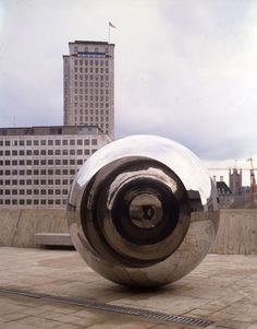Anish Kapoor, Turning the World Upside Down III, 1996, Deutsche Bank Collection Courtesy