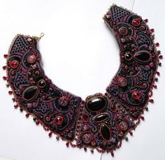 Beautiful embroidered jewelry by Alena Cilenticyriver | Beads Magic