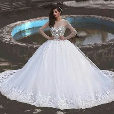 Beautiful gown for your D-Day