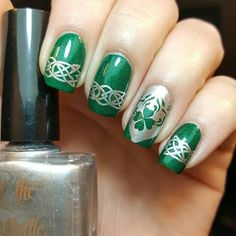s day nails irish nail designs, holiday nail designs, holi Irish Nail Designs, Holiday Nail Designs, Nail Art Designs, Nails Design, Christmas Nail Art, Holiday Nails, Boxing Day, Nude Nails, Acrylic Nails