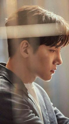 ❤❤ 지 창 욱 Ji Chang Wook ♡♡ that handsome and sexy look . Ji Chang Wook Smile, Ji Chang Wook Healer, Ji Chan Wook, Korean Star, Korean Men, Asian Actors, Korean Actors, K Pop, Ji Chang Wook Photoshoot