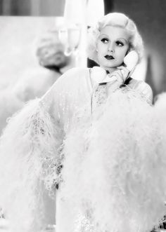 """The """"Platinum Blonde"""" Jean Harlow, an American film actress with an exceptional comedic talent (1933)"""