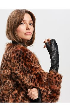 The new collection now available! Check it out, buy it online! Buy quickly and conveniently online. Leather Gloves, Fur Coat, Collection, Fashion, Moda, Fashion Styles, Fashion Illustrations, Fur Coats, Fur Collar Coat