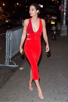 9 March Lily Aldridge showed off her supermodel figure in a bright red dress for the Sports Illustrated party in New York.   - HarpersBAZAAR.co.uk