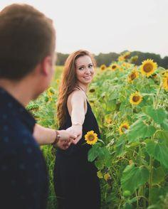 Portrait shoot in a lovely sunflower field!