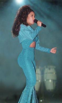 Selena Quintanilla ❤ better ass than Kim, jlo, and nicki #originalcurves