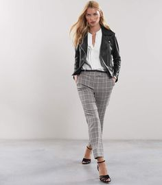 Women's Clothes - Trendy Fashion Clothing For Sale Online Checked Trousers Outfit, Tailored Trousers, Trousers Women, Plaid Pants, Pants Outfit, Fashion Advice, Fashion News, Street Fashion, Fall Fashion