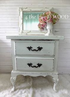 4 the love of wood: Shabby Chic White ROMANTIC NIGHT STANDS - french style