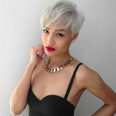 Micah Gianneli_Top fashion style beauty blogger_Smashbox Cosmetics_Be Legendary Lip Lacquer_Always Sharp Lip Liner_Short platinum blonde pixie hair