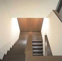 踊り場がフラットな階段にする。 Stairs, Home Decor, Stairway, Decoration Home, Room Decor, Staircases, Home Interior Design, Ladders, Home Decoration
