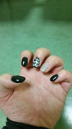 Black And White nails ;)
