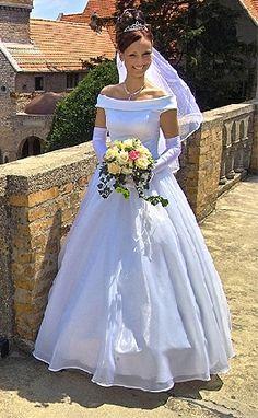 wedding gowns 1990