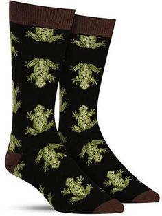 Cool men's frog socks Silly Socks, Crazy Socks, My Socks, Cool Socks, Lots Of Socks, Froggy Stuff, Frog Pictures, Bamboo Socks, Frog Art