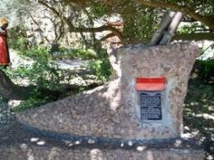 'The Shoe' mailbox, Mossel Bay, South Africa Places Around The World, Around The Worlds, Sa Tourism, Provinces Of South Africa, Countries Of The World, Mailbox, Places To Travel, Shoe, Afrikaans