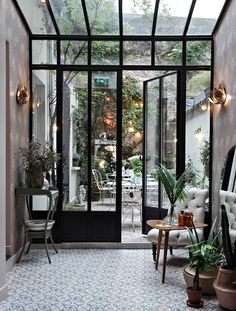 Paris Diaries : Hotel Henriette - Only Deco Love - Diy-gartenideens Orangerie Extension, Casa Patio, Interior And Exterior, Interior Design, Interior Paint, Interior Ideas, Diy Garden Decor, My Dream Home, Future House