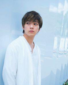 新田真剣佑 Japanese Babies, Japanese Boy, Kento Nakajima, Kento Yamazaki, Japanese American, Tumblr Boys, Japanese Artists, Asian Actors, American Actors