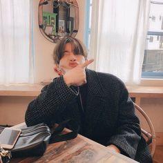 plan a - han seungwoo Lee Dong Wook, Beautiful Boys, Beautiful People, Pretty People, Wattpad, Grunge Hair, Dimples, Kpop Boy, K Pop
