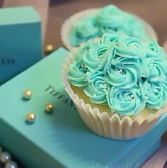 Tiffany blue cupcakes? Yes please.